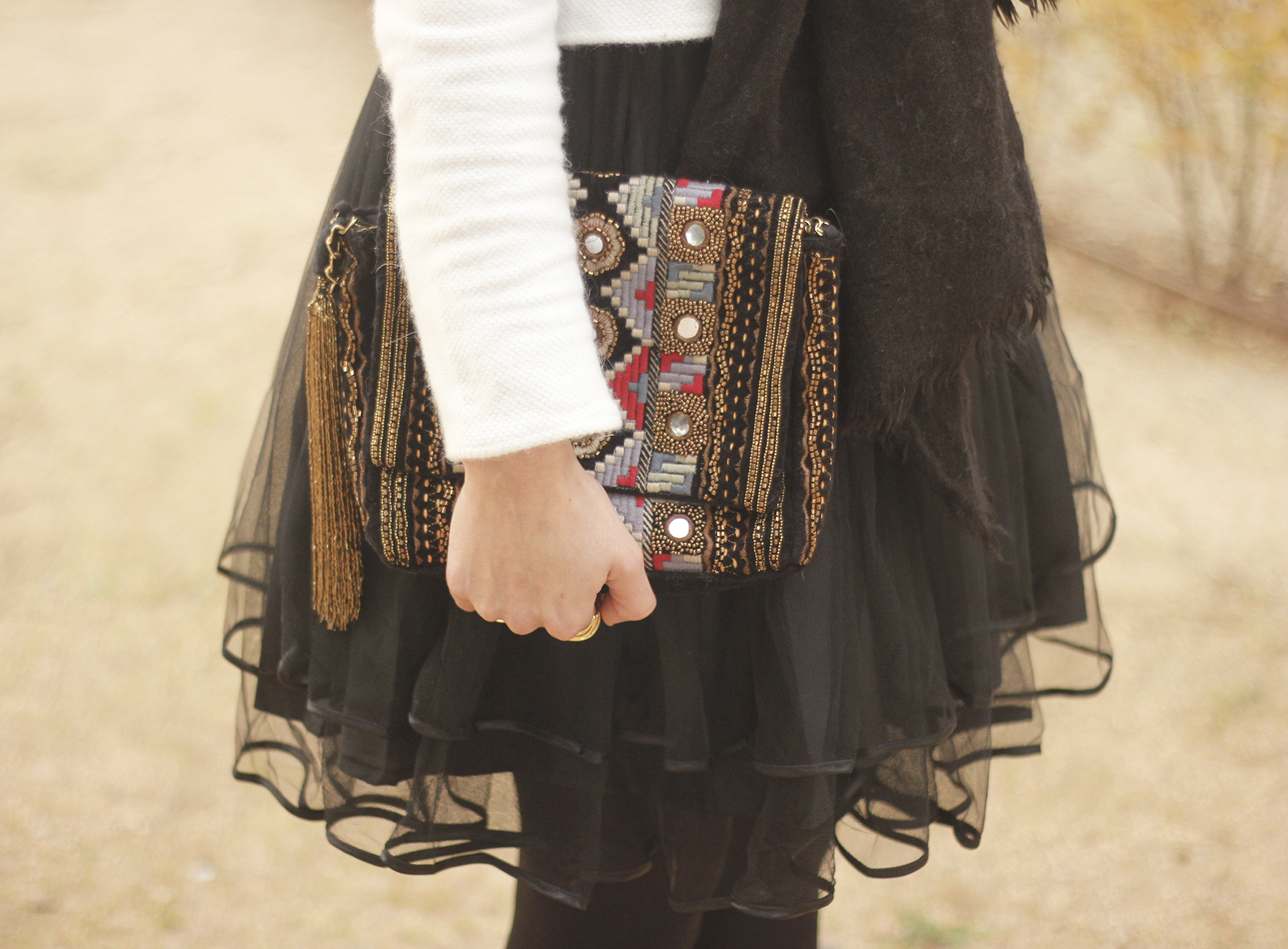 black tulle skirt white sweater black scarf outfit heels11