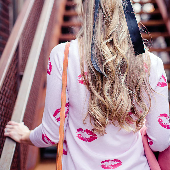 KissesSweater_650
