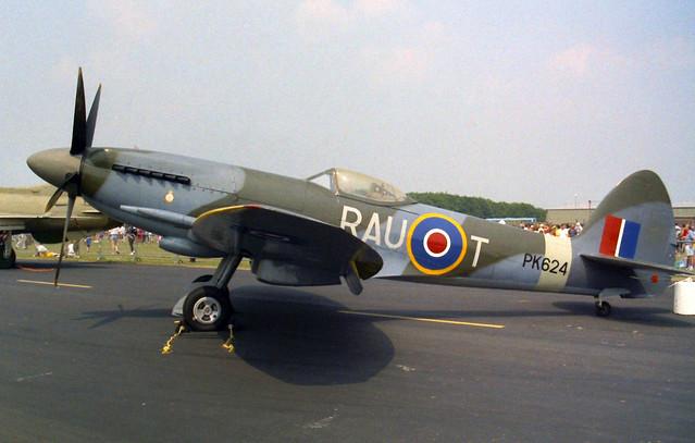 PK624/RAU-T Spitfire F.22