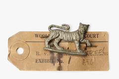 The badge of the Leicestershire Regiment that helped to convict David Greenwood of murder, 1918 © Museum of London