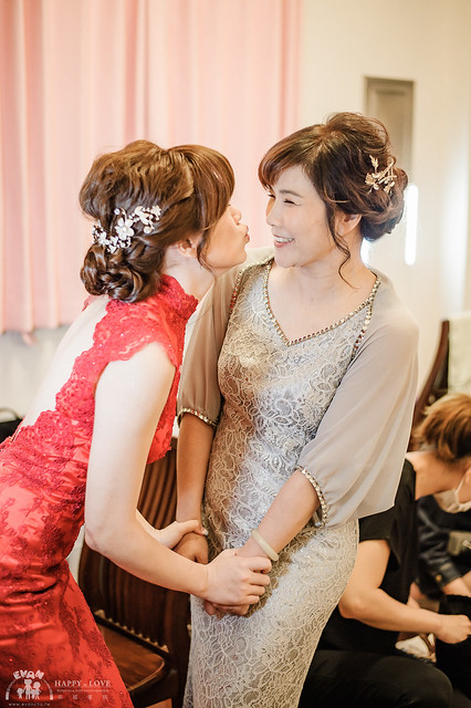 婚禮│新秘推薦│白色夢幻Yuki~PTT最搶手的熱門新秘之獨一無二新娘鮮花造型