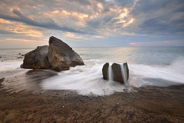 枋山戲浪 Fangshan coast