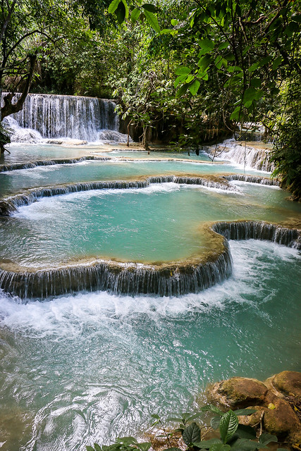 Travertine formation in Kuang Si Falls near Luang Prabang, Laos ルアンパバーン郊外、クアンシーの滝