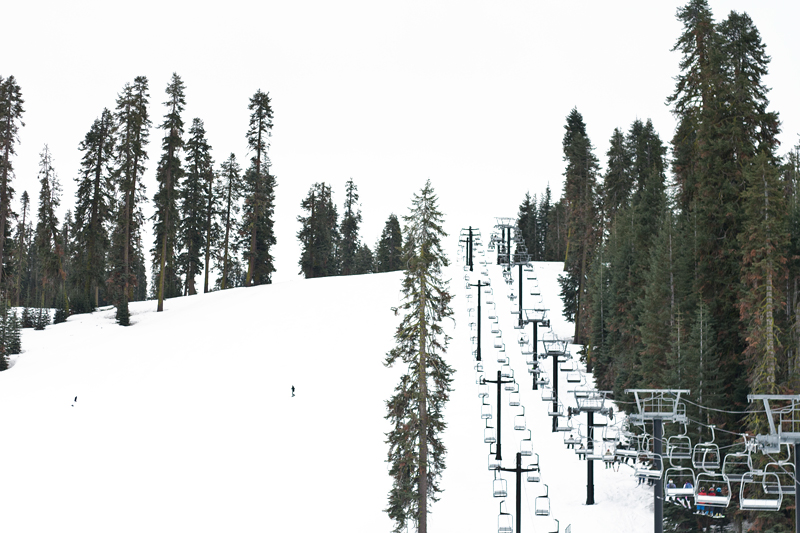 03yosemite-snow-skiing-badgerpass-travel