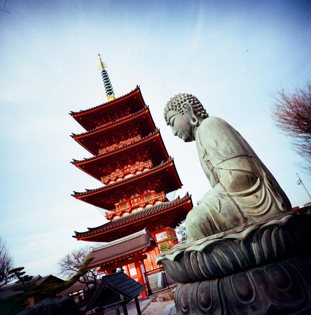 銚子市 Choshi, Japan / Kodak Pro Ektar / Lomo LC-A 120 2016-02-05 銚子真的是一個好悠閒的小鎮,如果哪一天想要消失一段時間的話,我很想再次來到這裡流浪!  Lomo LC-A 120  Kodak Pro Ektar 100 120mm  8281-0011 Photo by Toomore