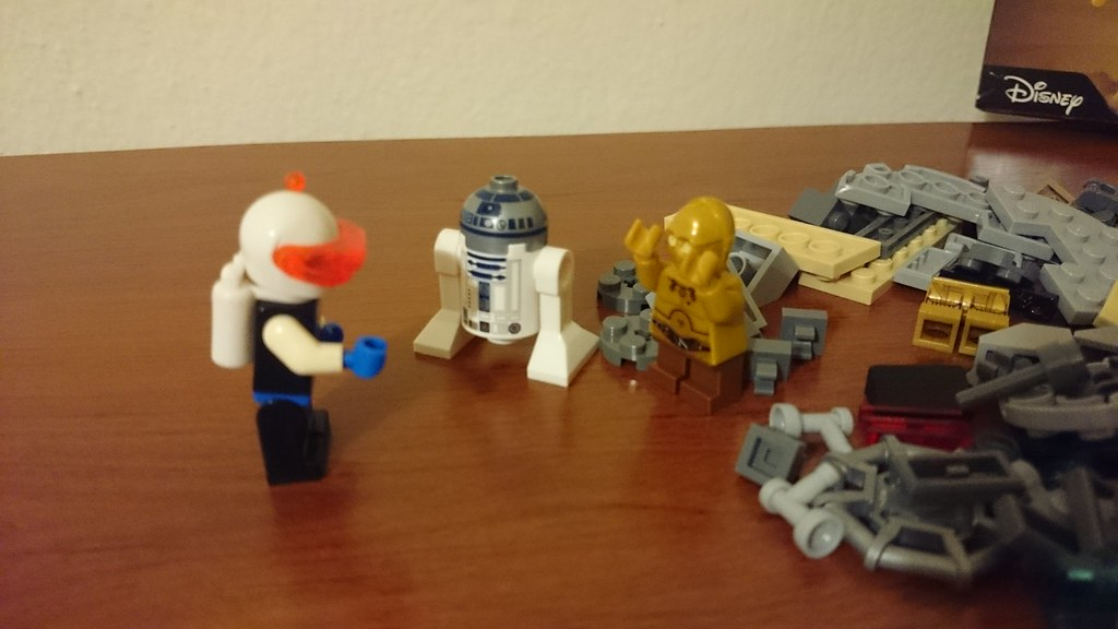 ThebrickReview: LEGO 75136 - (Star Wars) Droid Escape Pod (Pic Heavy!) 25791070462_2ac1084f2c_b
