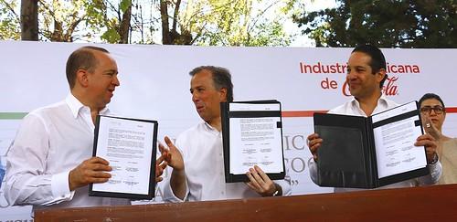 SEDESOL y la Industria Mexicana de Coca-Cola firman convenio - 2