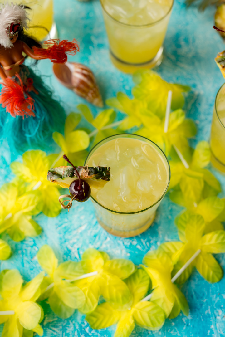 Skinny Pina Coladas www.pineappleandcoconut.com #KoloaRumCompany