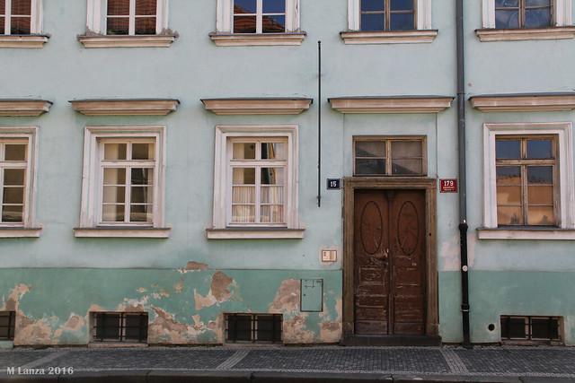Building on Loretanska