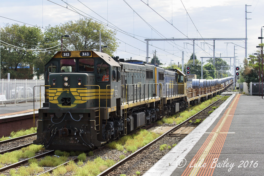 X43-X41 with #9557 down Long Island goods at Mordialloc by Luke's Rail Gallery