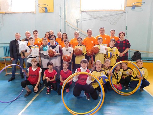 Працівники ТОВ «Свиспан Лімітед» День здоров'я відзначали волейболом та естафетами