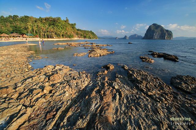 Las Cabanas Resort and the land bridge to Depeldet Island