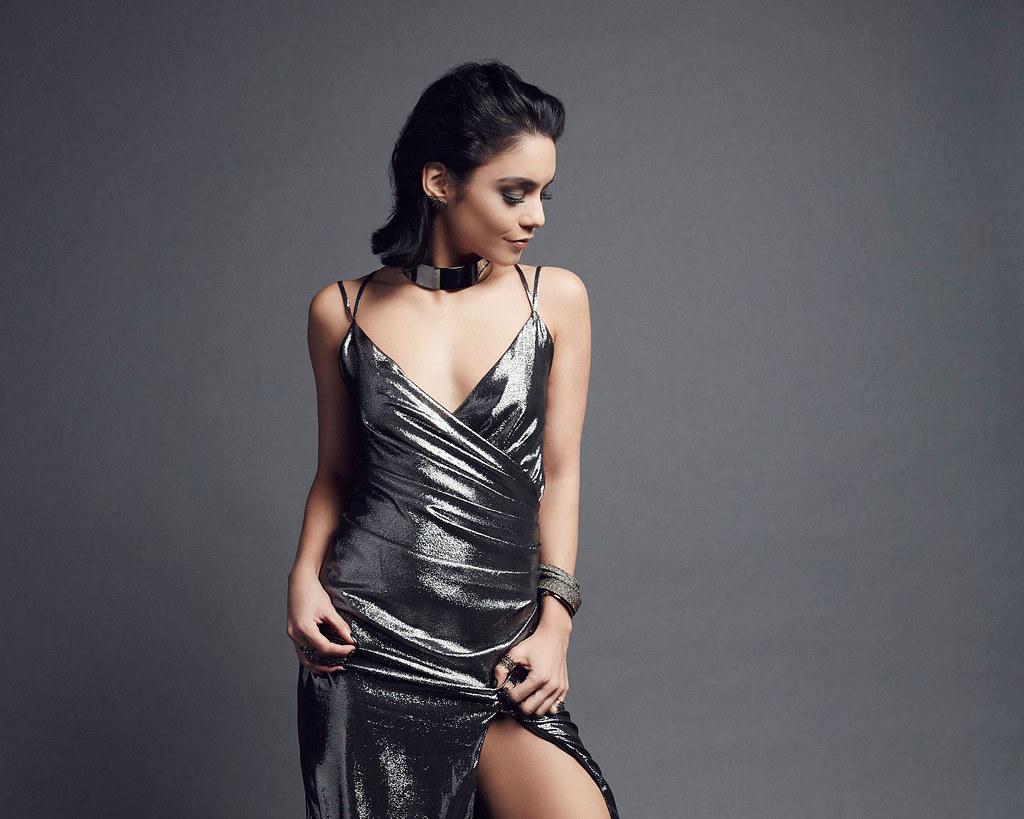 Ванесса Хадженс — Фотосессия на «People's Choice Awards» 2016 – 4