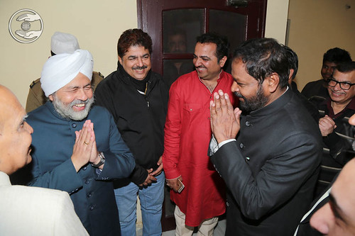 Local dignitaries seeking blessings from His Holiness