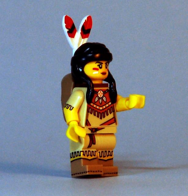 71011 LEGO Minifigures - Series 15 - Tribal Woman
