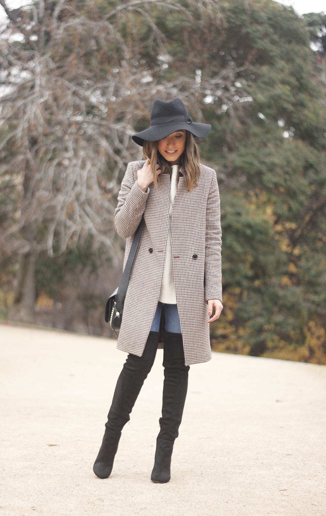 houndstooth coat, white sweater, over the knee boots, black hat, outfit, style, jeans04