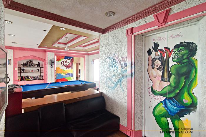 Pink Hostel Manila Lobby