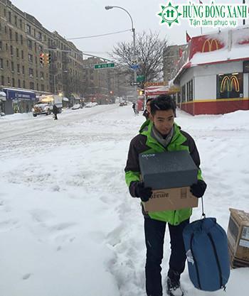 du học sinh Việt chống chọi với bão tuyết khi du học Mỹ