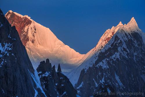 travel pakistan mountain horizontal sunrise landscape outdoors dawn asia karakoram kashmir pk scenics colorimage snowypeak karakoramrange indiansubcontinent gilgitbaltistan remoteposition centralkarakoramnationalpark