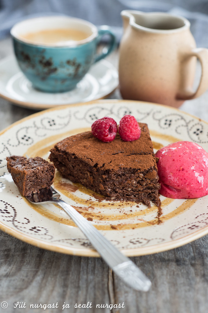 chocolate souffle pie