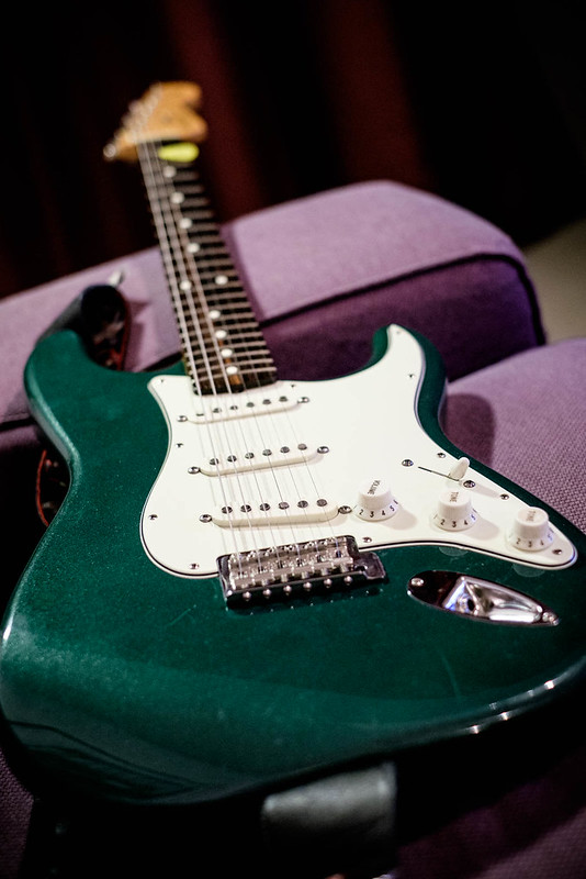 fender squier stratocaster sherwood green 2000 ish guitar reviews discussions on thefretboard. Black Bedroom Furniture Sets. Home Design Ideas