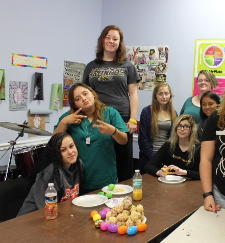 Teen drug rehab girls create awesome treats for Easter! thumbnail
