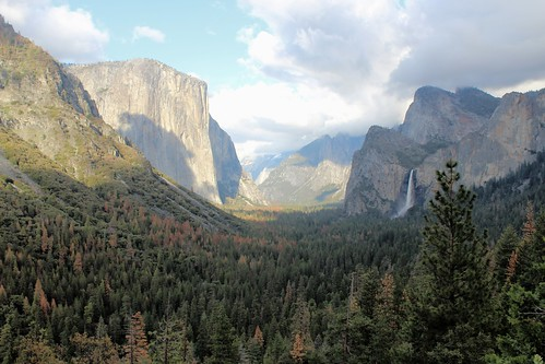 Views from Inspiration Point, Yosemite National Park, California. Courtesy of Mark Gunn