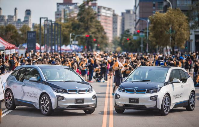 【新聞照片一】BMW i3擔任「世界地球日─為地球退燒」路跑活動領跑車