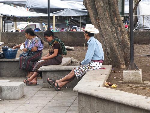 Santiago Atitlán: short traditionnel avec des oiseaux brodés