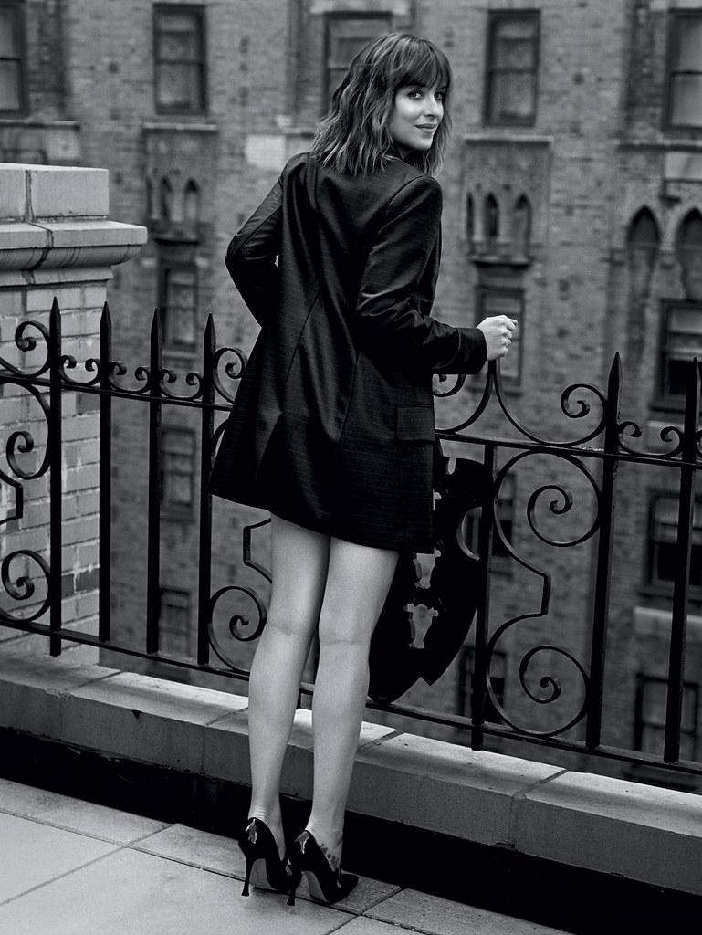 Дакота Джонсон — Фотосессия для «Vogue» UK 2016 – 1