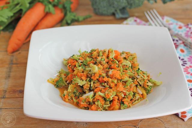 Ensalada de brócoli, zanahoria www.cocinandoentreolivos.com (1)