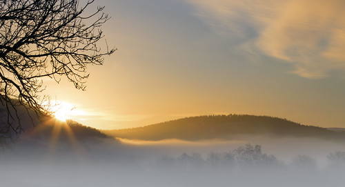 uk morning trees winter sky cloud mist field fog wales sunrise canon river landscape outdoors eos gold dawn golden britain cymru cardiff breconbeacons hills caerdydd 5d brecon beacons usk powys mkiii talybont talybontonusk wentloog stevegarrington