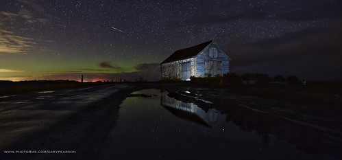 The aurora and a meteor over Thornham in Norfolk 7/3/16