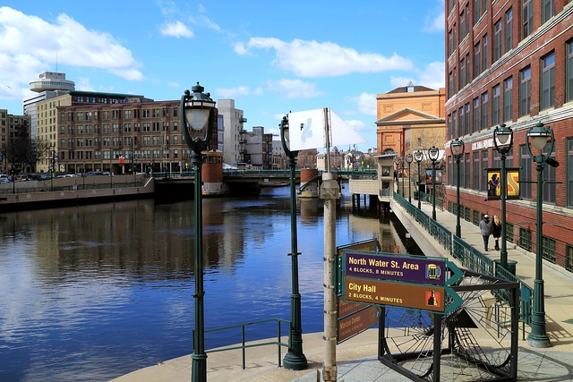 Sunny afternoon on Milwaukee's Riverwalk