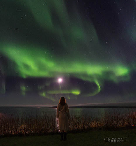 Bathrobe, boots and northern lights :) In my backyard and almost ready to go to sleep :)