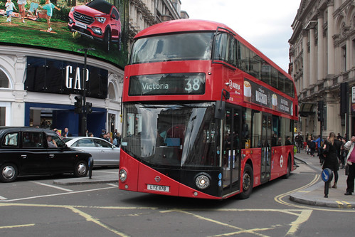 Arriva London North LT178
