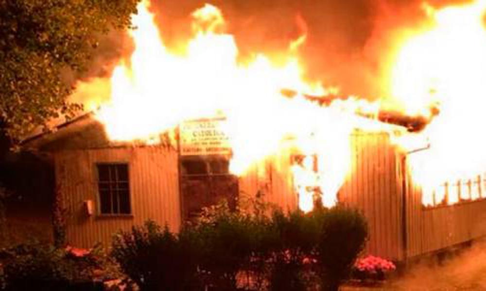 igrejas-sao-queimadas-e-destruidas-por-mapuches-no-chile