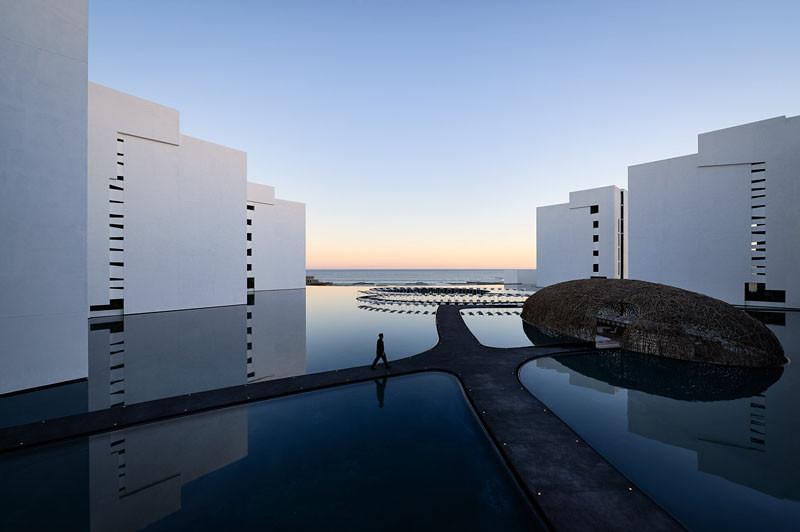 minimalist-hotel-mexico_130413_03-800x532
