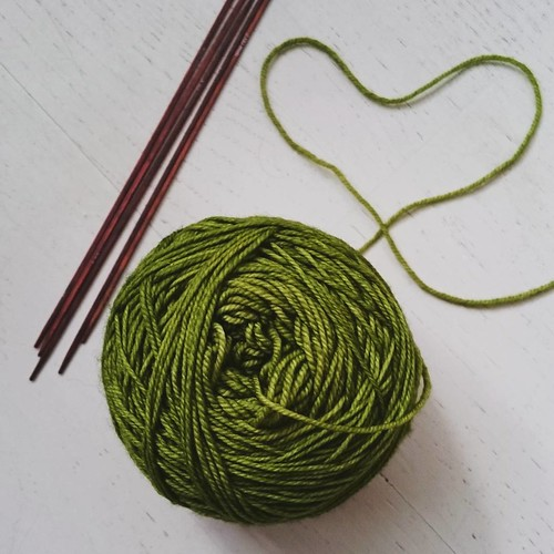 Dreaming of spring, knitting with greens