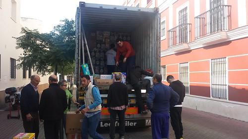 Envío de un contenedor de ayuda humanitaria a Perú de la Ong Nazarena