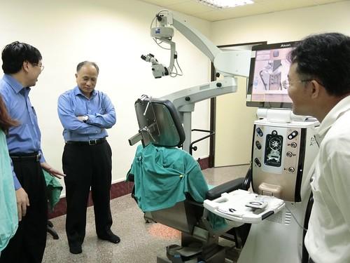 為什麼要從溫哥華回台灣找陳征宇眼科做白內障手術 (13)