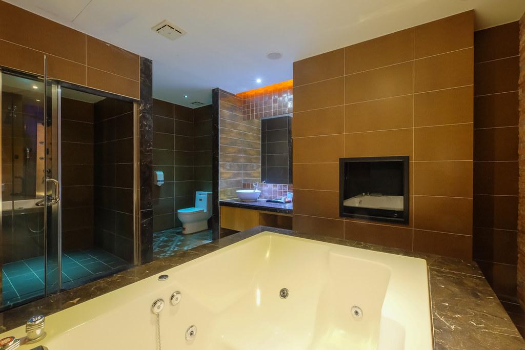 台南平價休息推薦‧房型多變又舒服的媜13汽車旅館_房型110 (18)