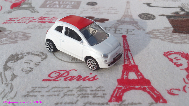 N°286C Fiat 500 25941115981_d9bb6e951b_z