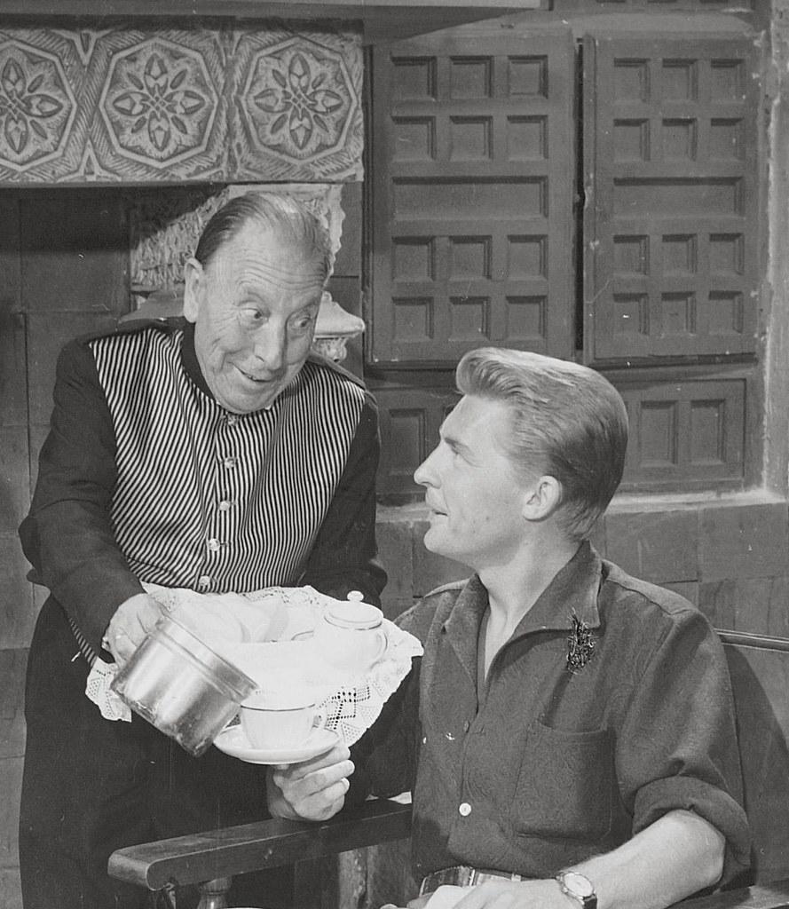 José Isbert y Georges Riviere en Toledo durante el rodaje de Un Americano en Toledo en 1957