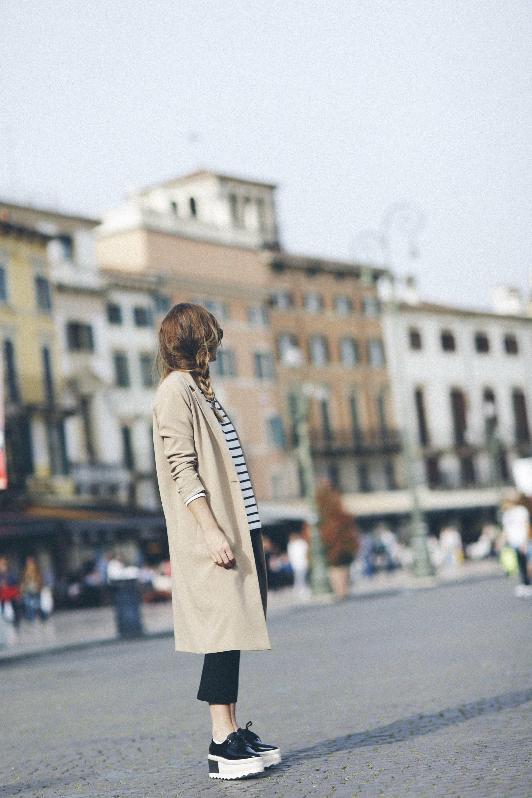 outfit look primavera spring rayas stripes zara mango valentino bolso bag blazer rayban verona street style trendy taste_12