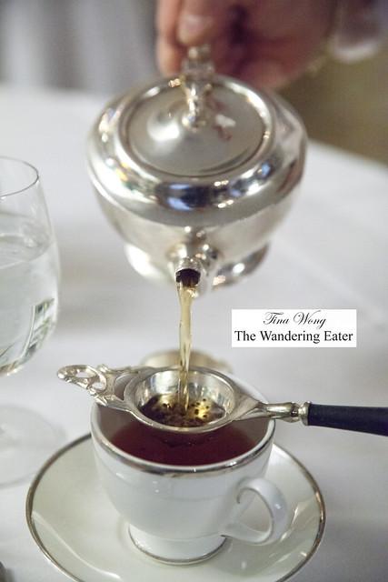 Pouring my Darjeeling  G.F.O.P. Superieur tea