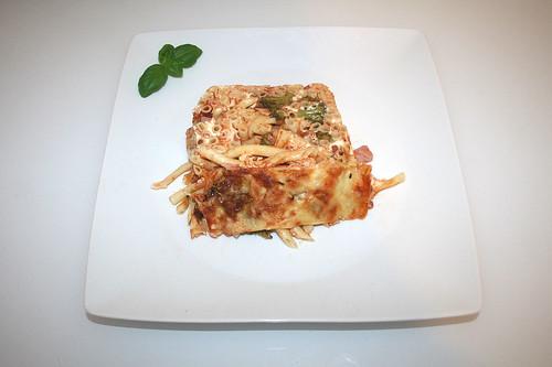 41 - Macaroni cake with broccoli & ham - Served / Makkaroni-Kuchen mit Brokkoli & Schinken - Serviert