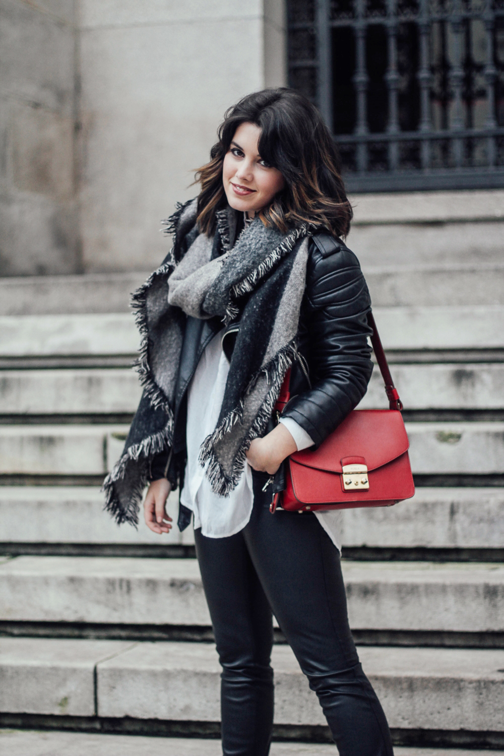 leather pants and biker stretstyle