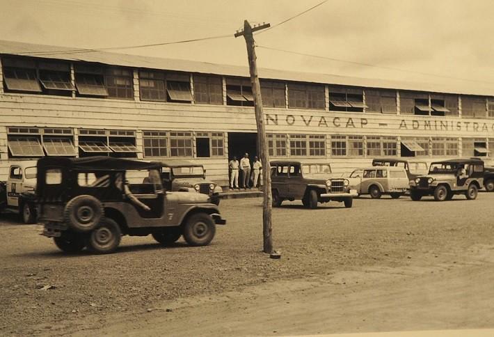 Muitos prédios temporários foram criados para auxiliar e organizar as tantas obras. Fotografia: Arquivo Público do Distrito Federal, ArPDF.