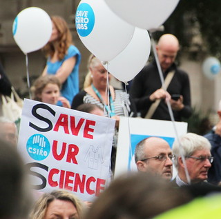 Save Our Science - Melbourne rallies in a Sea of white balloons #CSIROcuts
